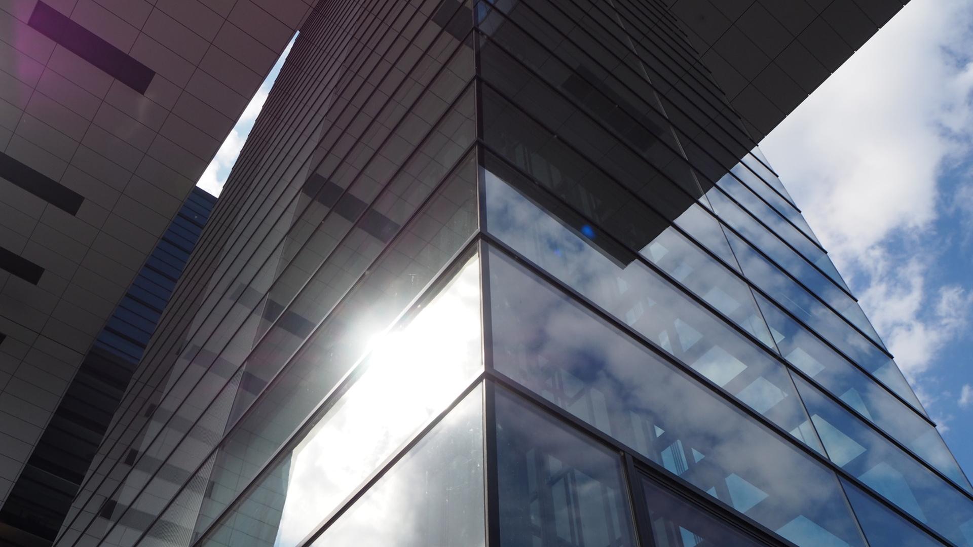 lamina-solar-exterior-o-interior-cual-es-mejor-1920.jpg